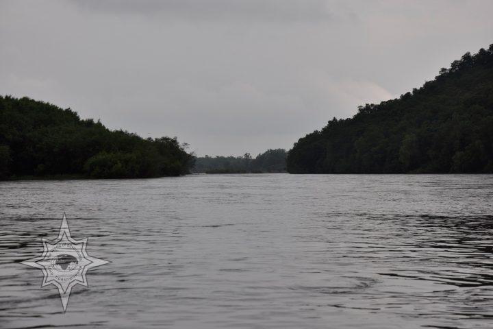 По реке Хор