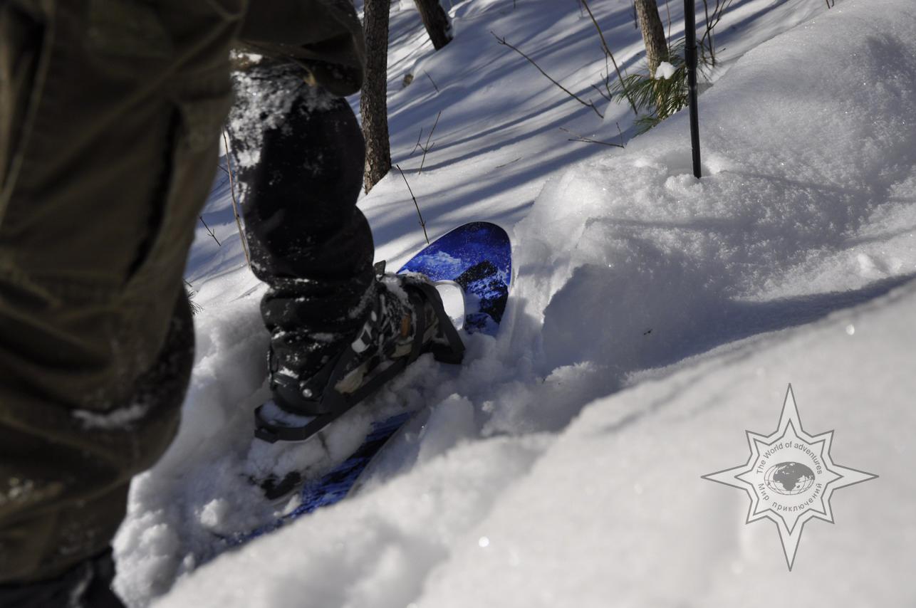 Подъем в гору на снегоступах, школа снегоступинга