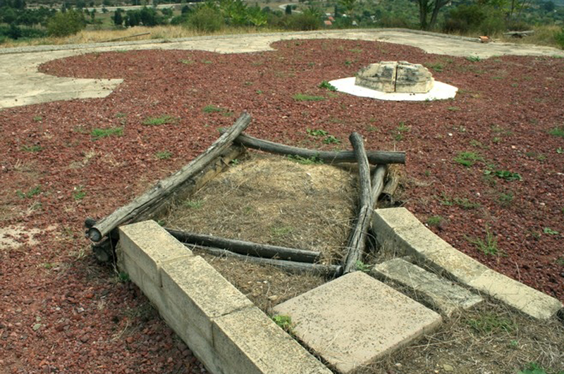 Основание языческого храма Армази