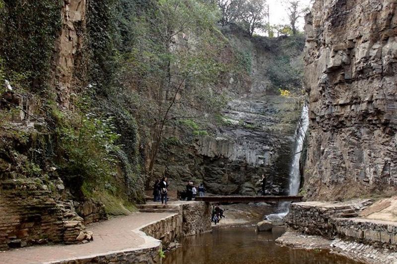 Тбилисский каньон с водопадом