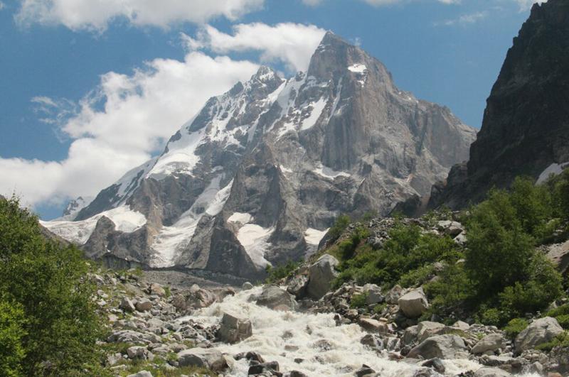Гора Ушба 4700м